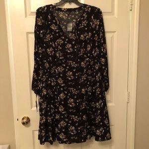 Torrid size 3 NWT floral dress